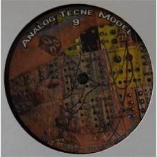 Analog Tecne Model 09